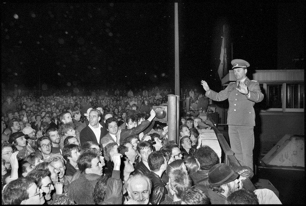 Berlin, Checkpoint Charlie, 9th November 1989