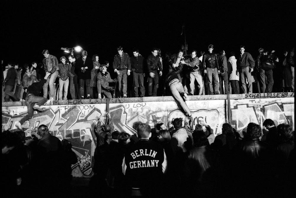 Berlin, Brandenburger Tor, 9th November 1989